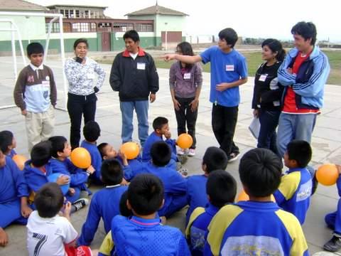 Visita a una residencia niños huérfanos y similares