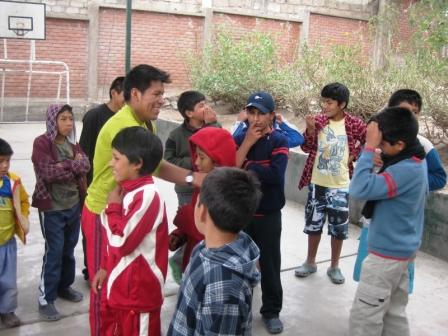 En Arequipa con niños huérfanos